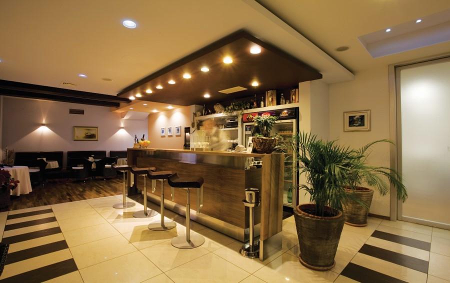 restaurant eden turisti ka zajednica podstrana. Black Bedroom Furniture Sets. Home Design Ideas